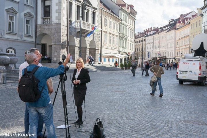 Ljubljana mayor Zoran Jankovic is arrested on charges of corruption on September 27. Croatian televison is getting ready to report about it.