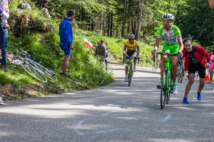 Even when you are on socks and you wear a Movistar shirt, when you see the immensely popular Stefano Pirazzo, you run and give him a push.